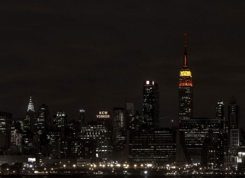 Empire_State_Building_Red_Yellow_Red_1280x934_1280x934
