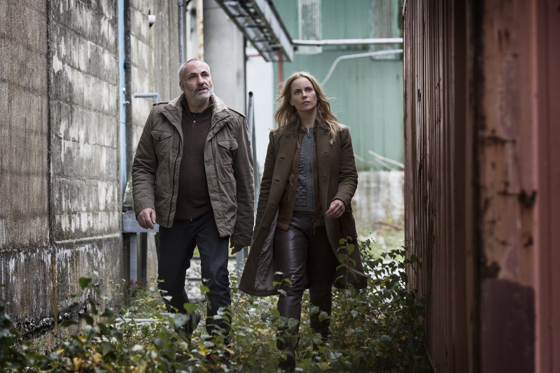 The_Bridge_season_2_Kim_Bodnia_as_Martin_Sofia_Helin_as_Saga_Photo_Carolina_Romare_2012_(8724803961)