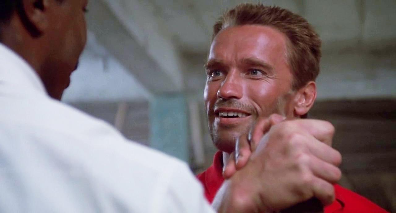 ¡¡Dillon!! ¿Que pasa, la CIA te ha puesto a levantar demasiados lapices?